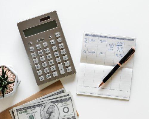 Pros and Cons of Joint Bank Accounts with Mom Or Dad